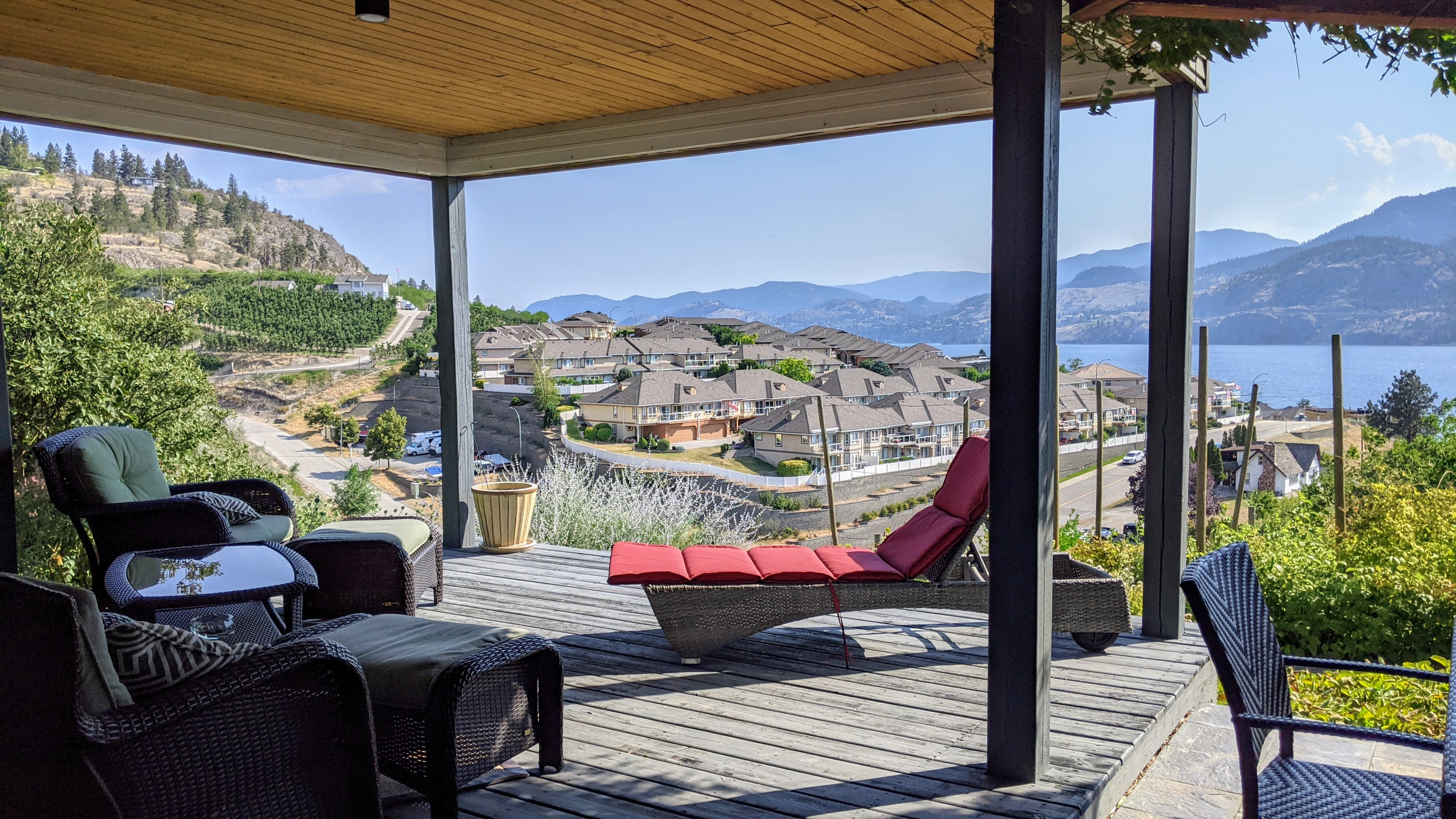 Penticton Lakeview Lookout Airbnb Outdoor Deck