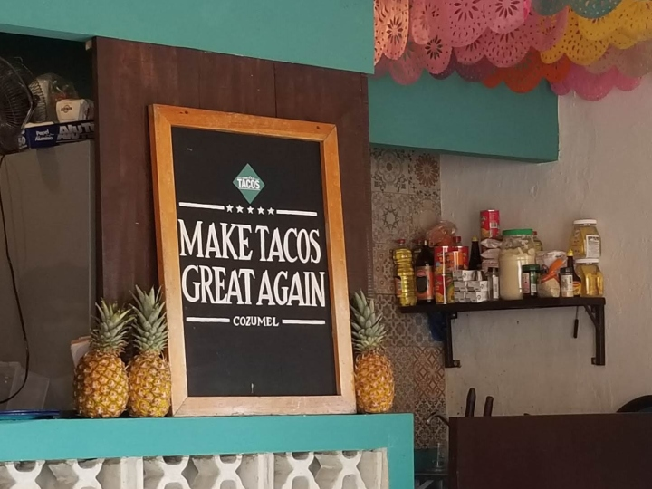 Funny sign at Cuatro Tacos