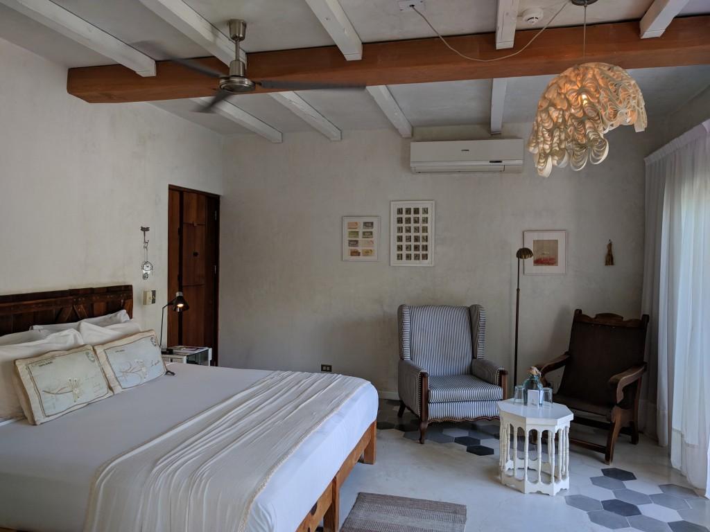 La-Semilla-Playa-Del-Carmen-Room.1jpg