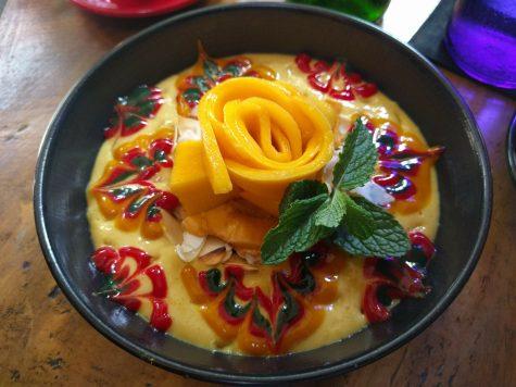 Smoothie bowl at Cafe Vida in Canggu Bali