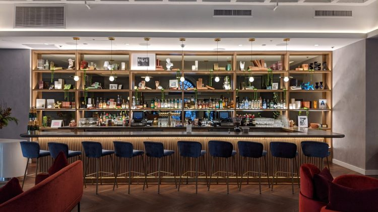 The Guild Tribute Hotel: The bar