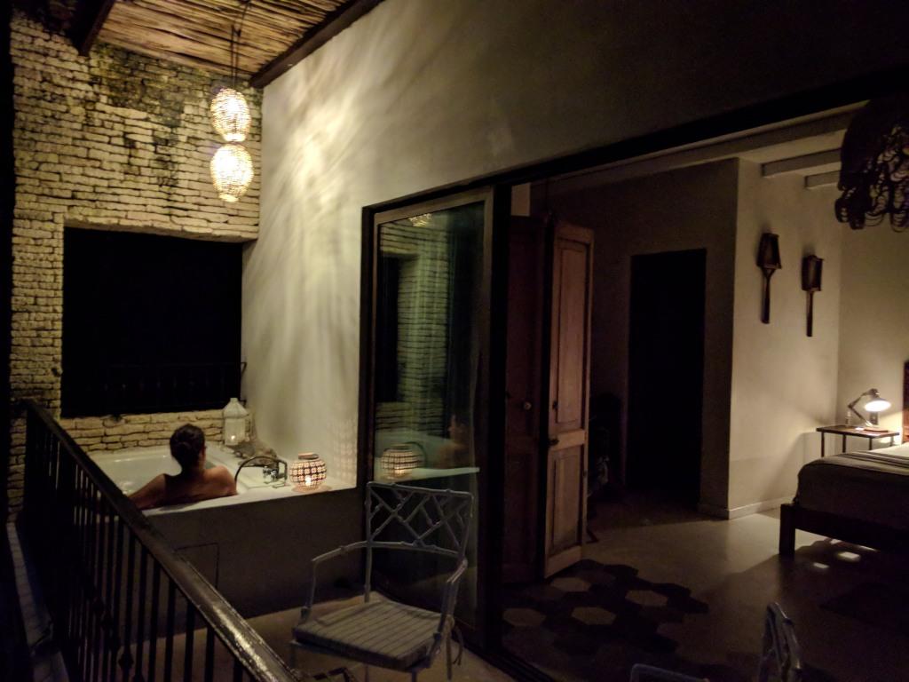 La-Semilla-Playa-Del-Carmen-Bath-Room-Night
