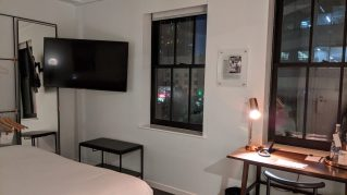 The Guild Tribute Hotel: Apprentice Guest Room with King Bed