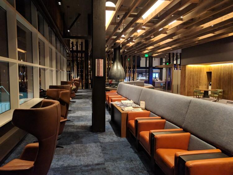 Alaska Lounge N-Gates: Quiet seating by the windows