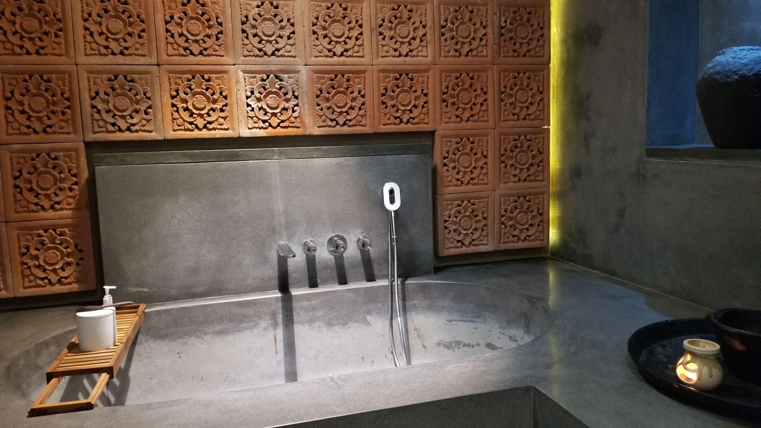 Bamboo Villa bathtub