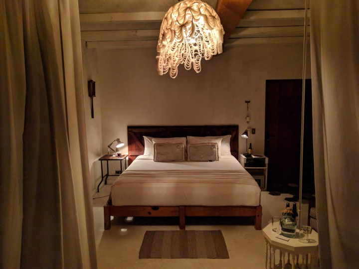 La-Semilla-Playa-Del-Carmen-Room-Night