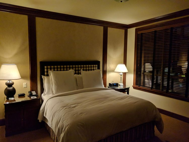 King bed in the bedroom