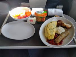 Air Canada Breakfast: The omelet