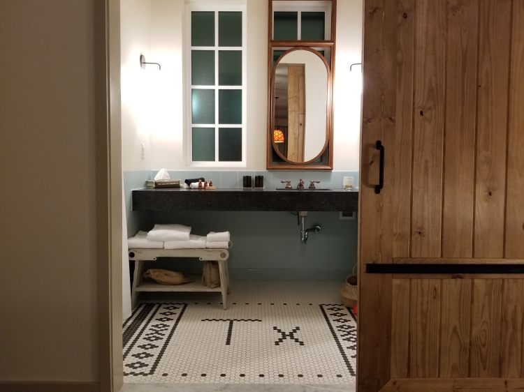 Bathroom in a Deluxe Room at Texican Court