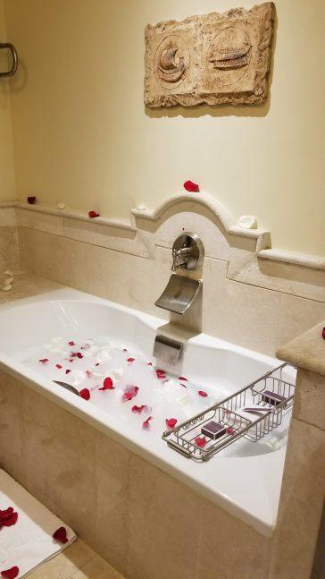 Bath tub at the Ritz Carlton Sharq Village