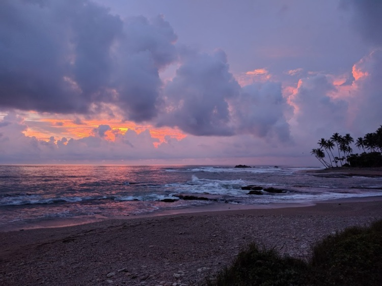 Sunset at the beach by the Jetwing Lighthouse in Galle