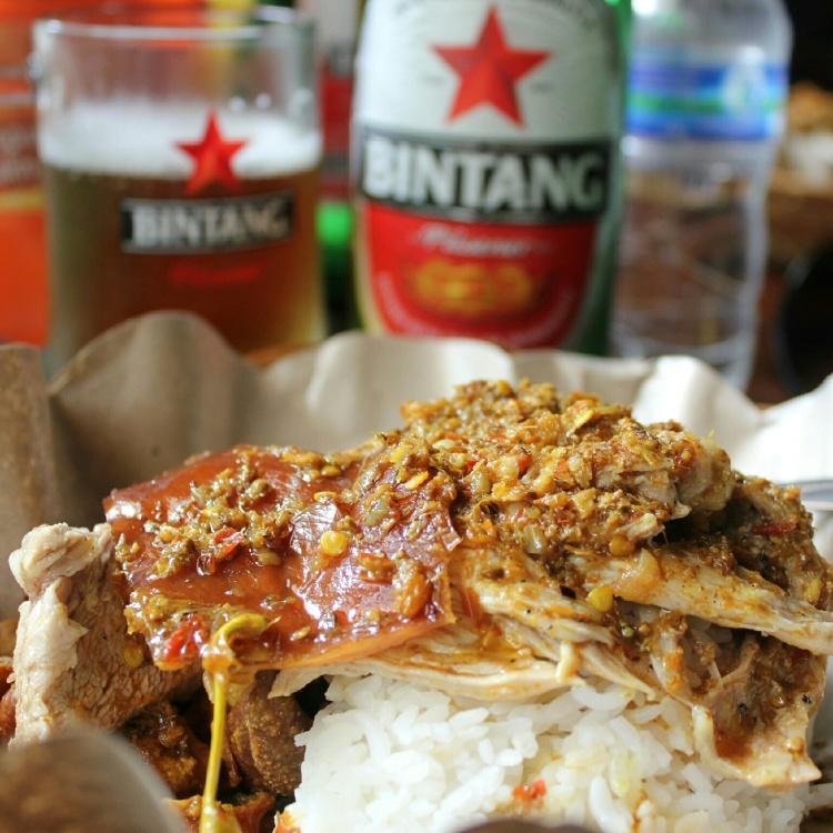 Babi Guling and Bintang Beer at Ibu Oka in Ubud Bali