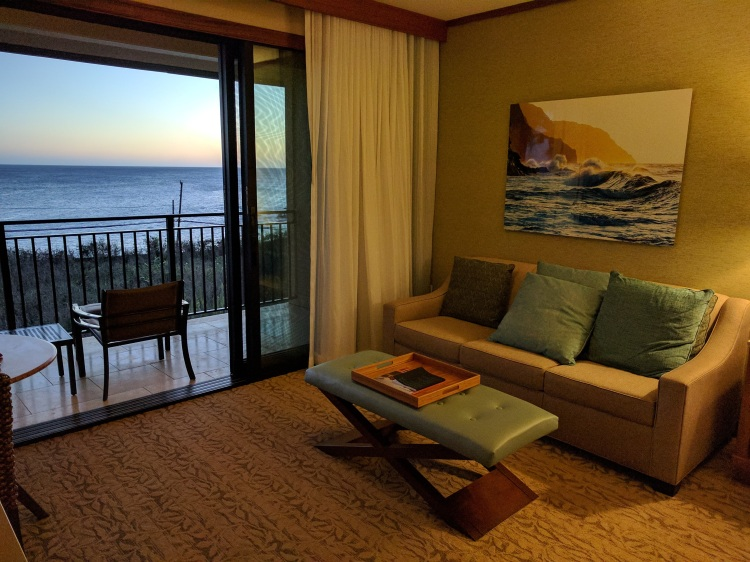 Studio ocean view room living/balcony