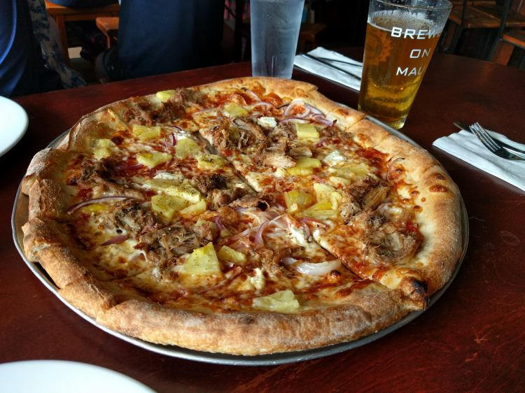 The Mopsy's kahlua pork pizza at Flatbread Co in Paia