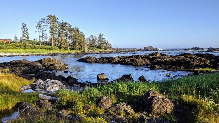 Black Rock Ocean Front Resort: by the water
