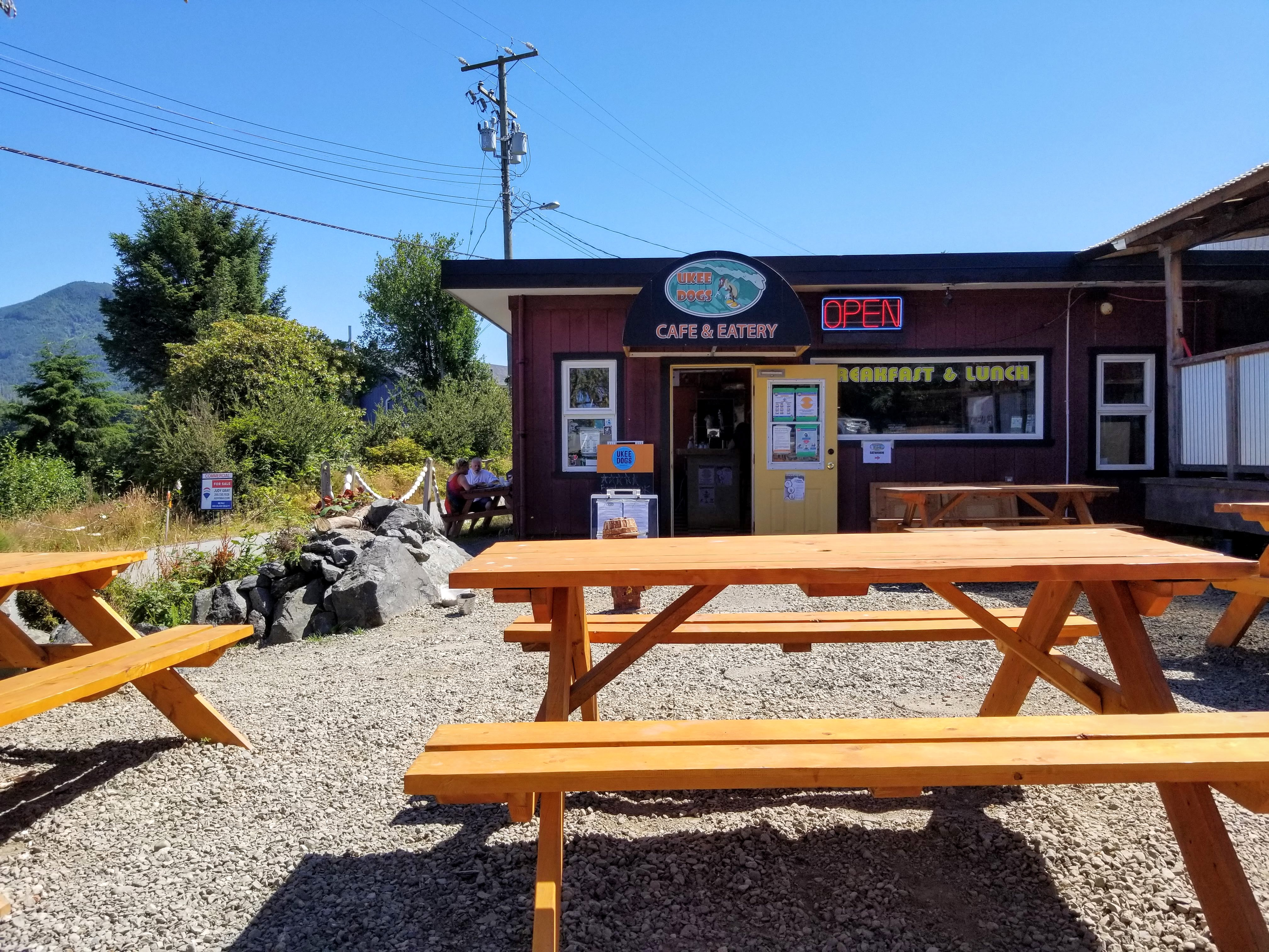 Ukee Dogs in Ucluelet: an ecclectic and fun place to get hot dogs