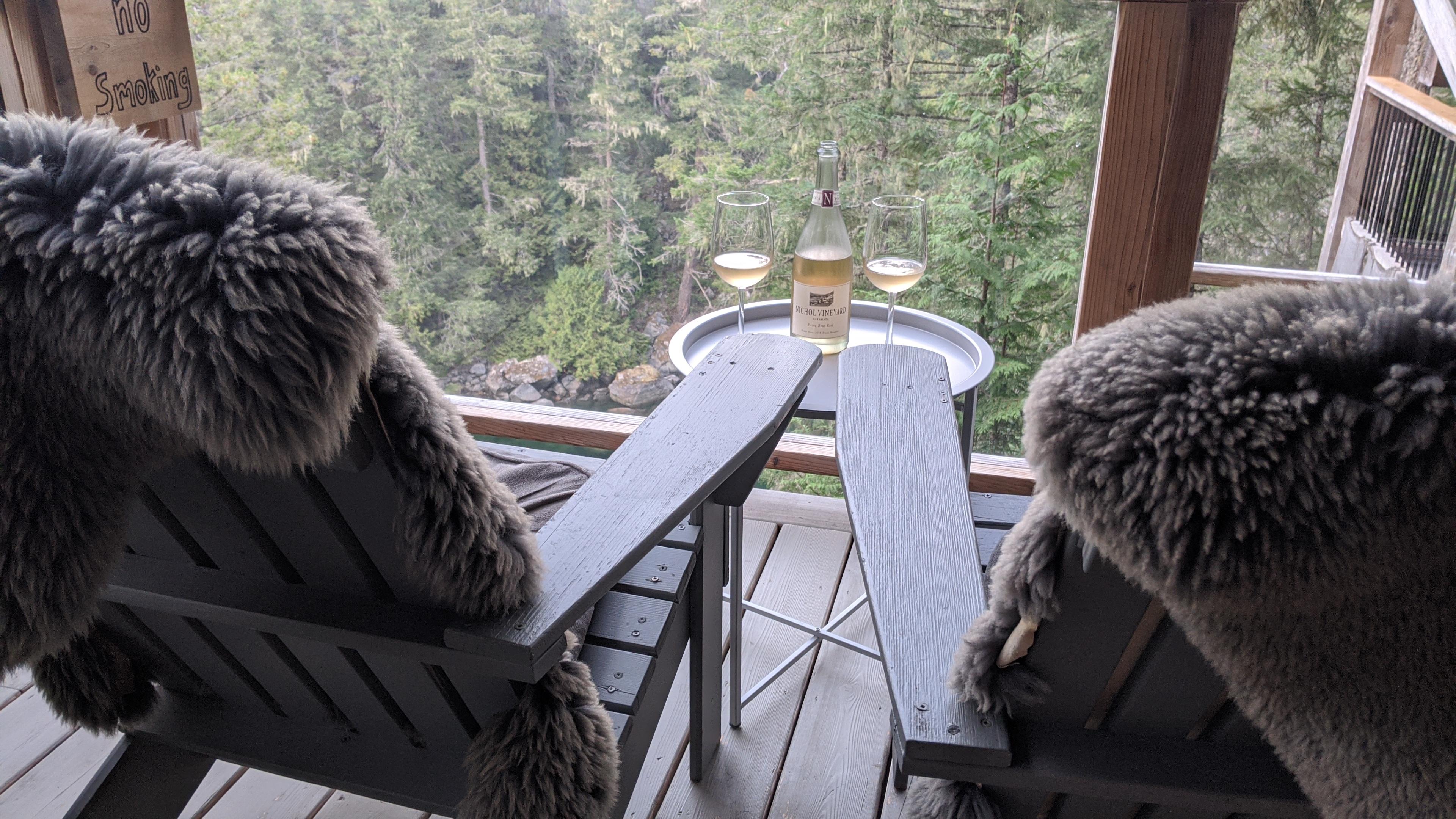 Secret Cove Treehouse Suite: The patio