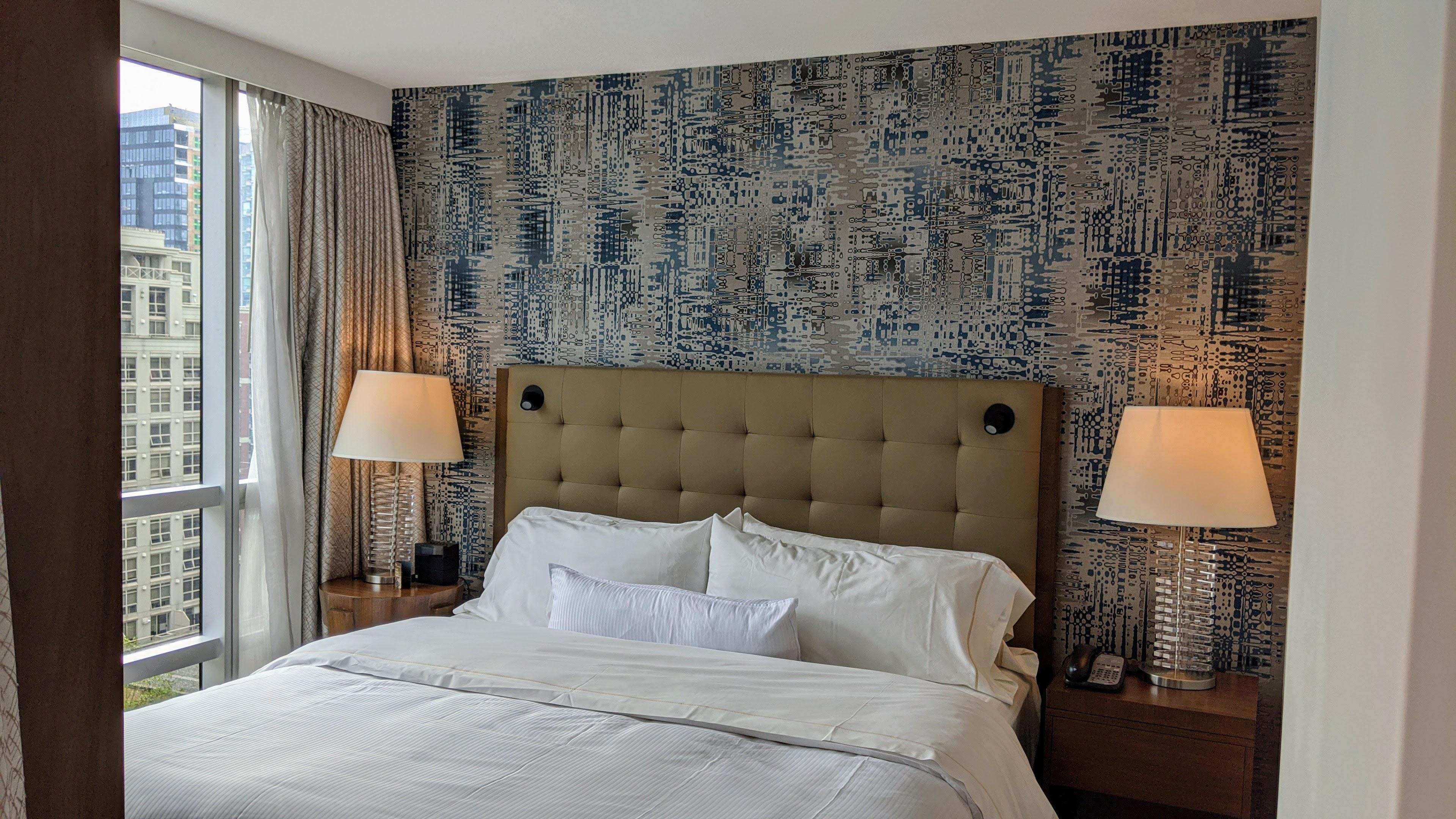 Hilton Downtown Vancouver - King Suite