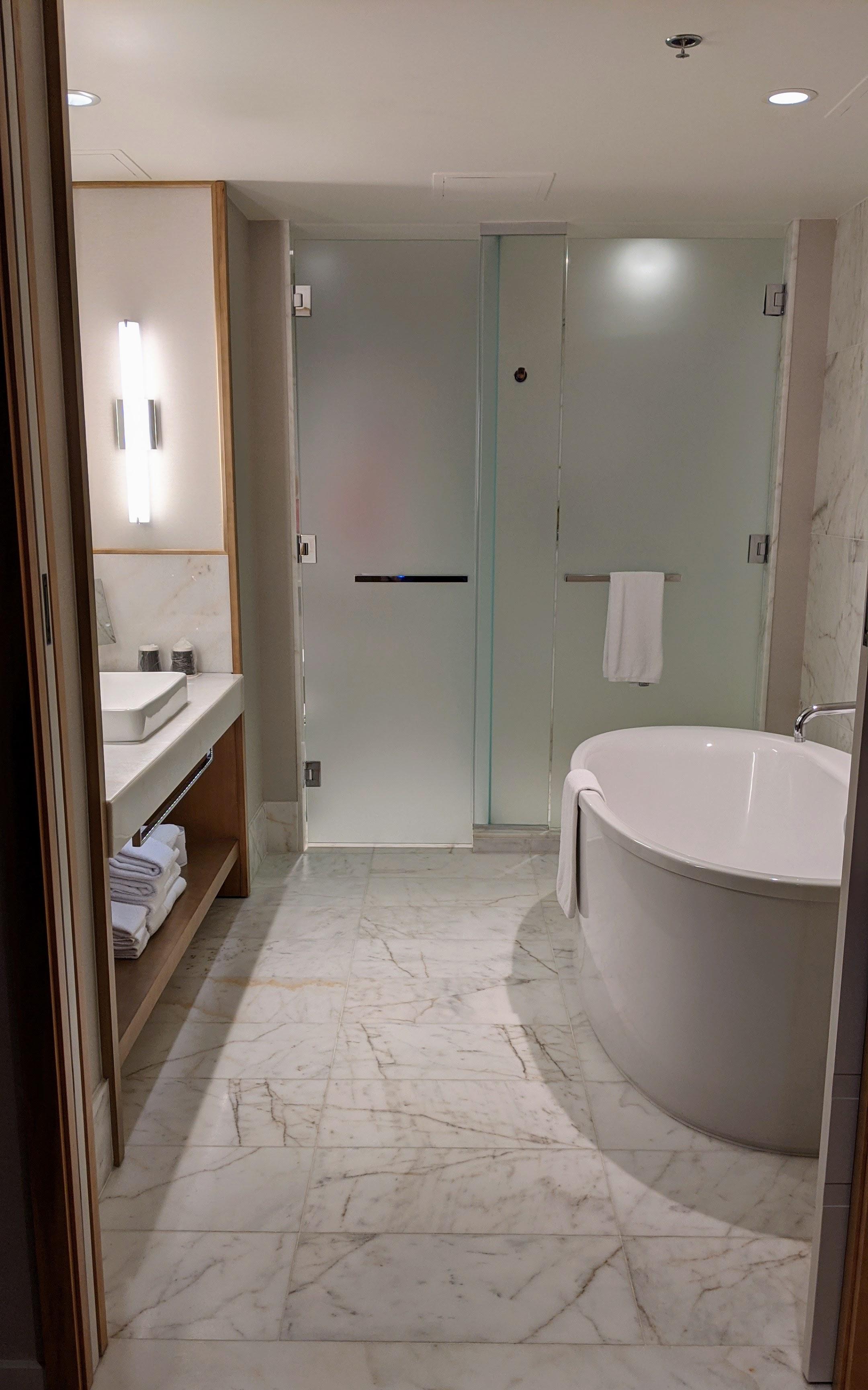 JW Marriott Parq - King Suite