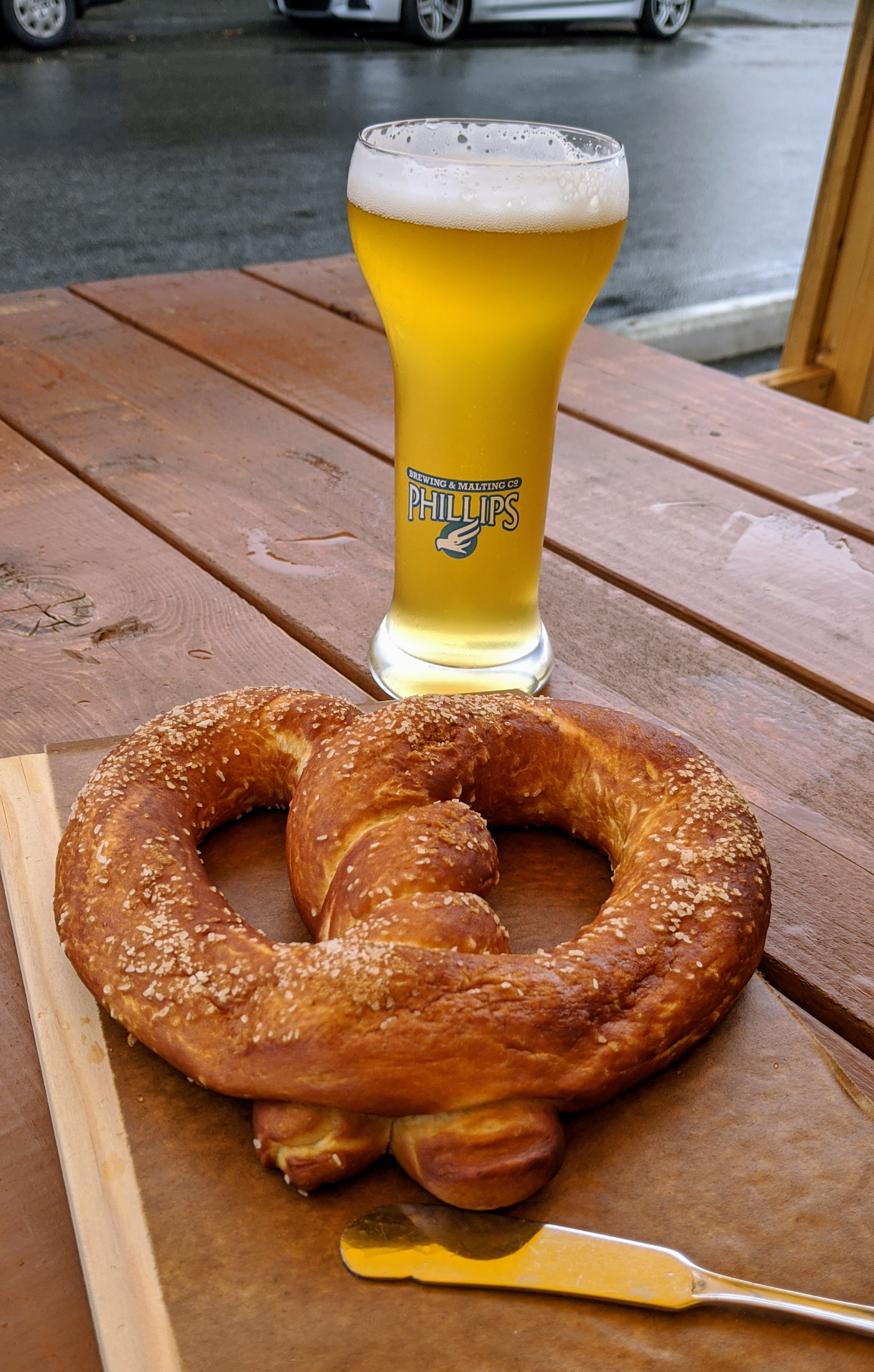 Beer and pretzel at Phillips Brewing