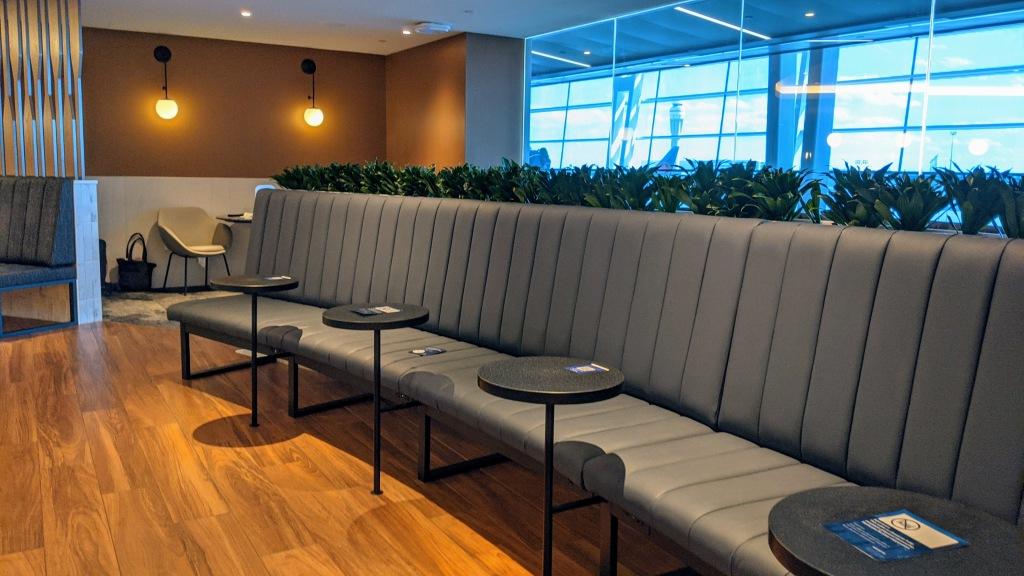 YYC WestJet Elevation Lounge: Seating