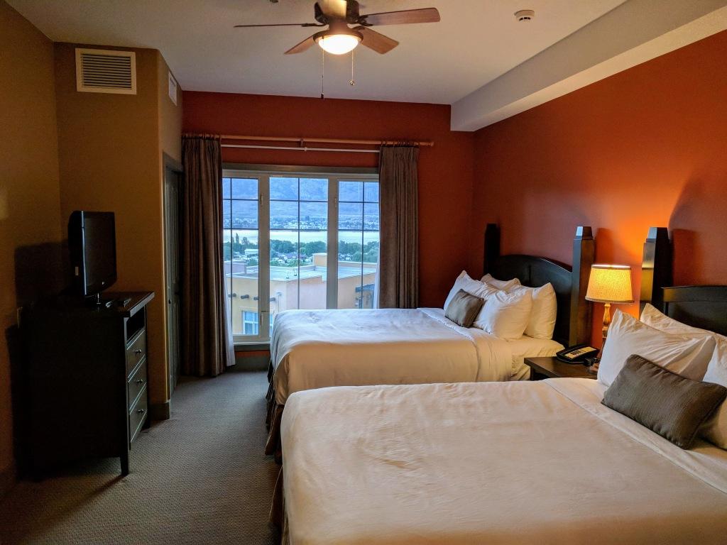 Spirit Ridge - Unrenovated room