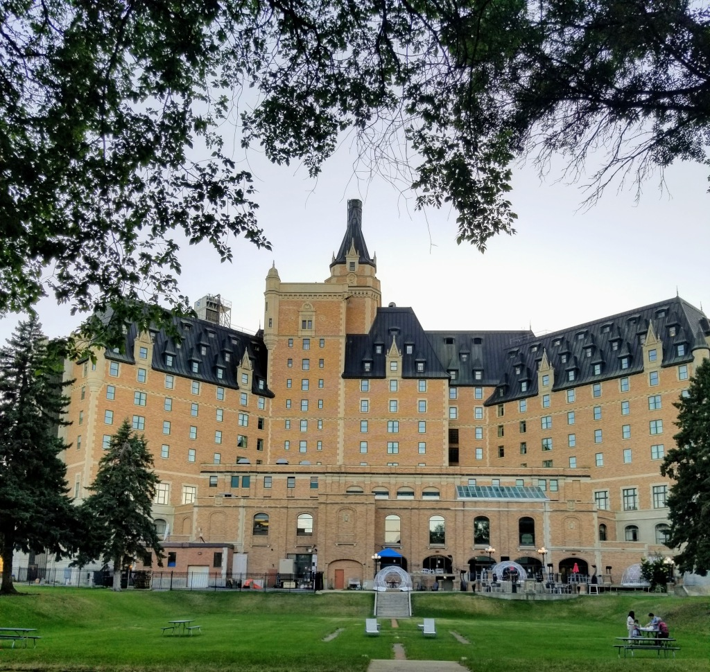Delta Bessborough Saskatoon - View from the back and lawn area