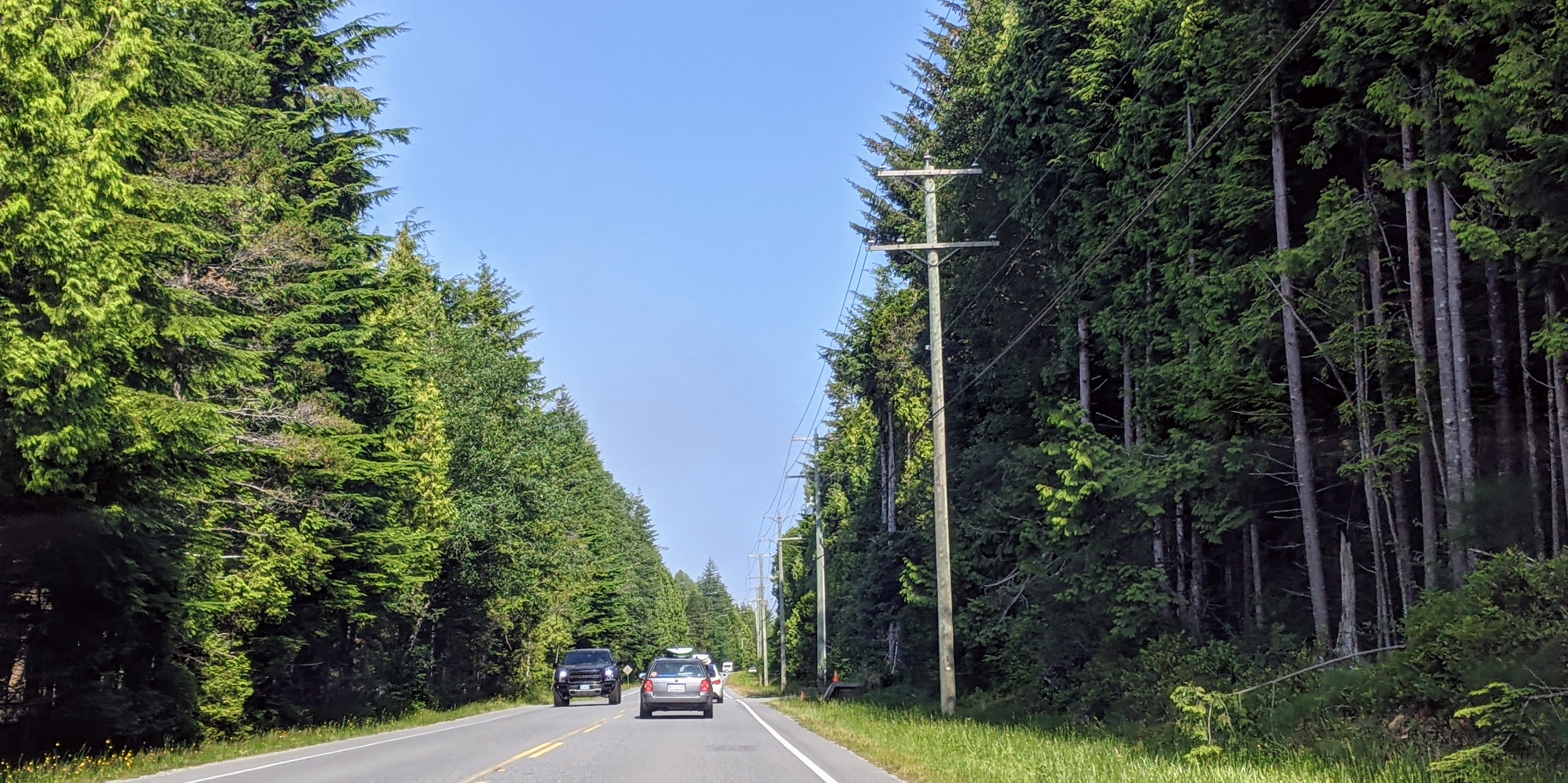 Road between Ucluelet and Tofino