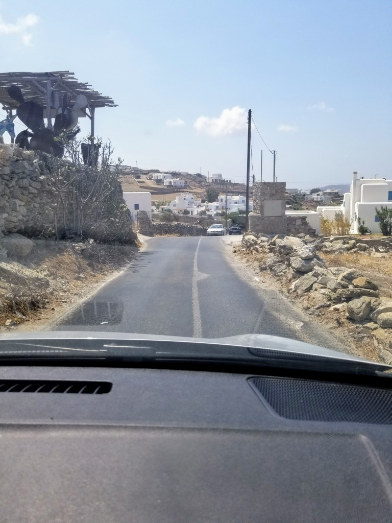 The narrow roads of Mykonos!